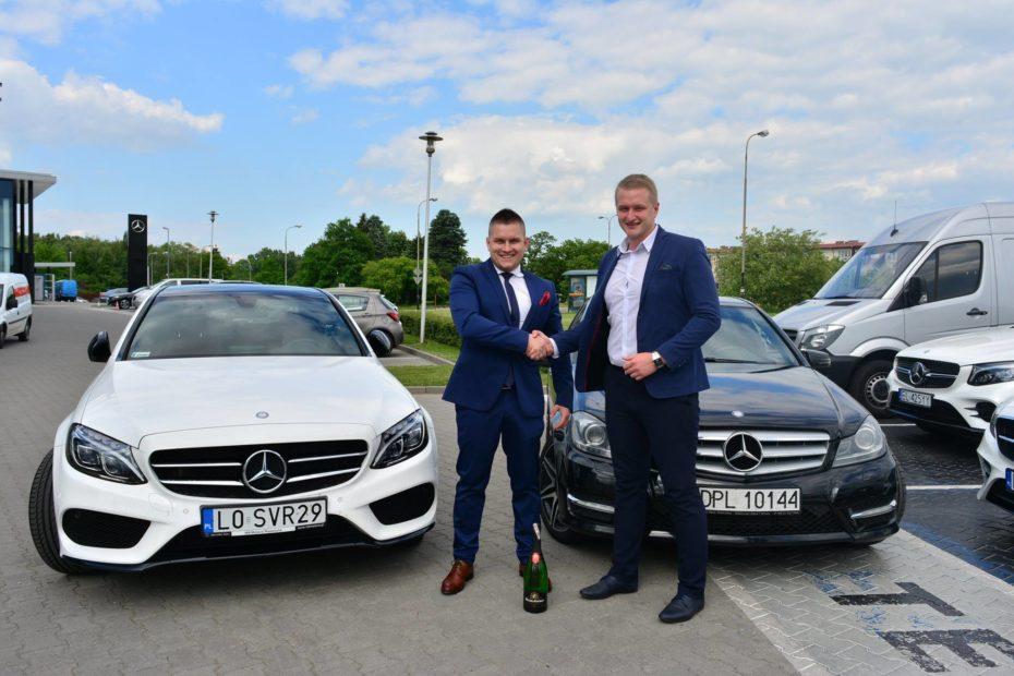 Z Wojciechem Piechocińskim podczas odebrania Mercedesa klasy C